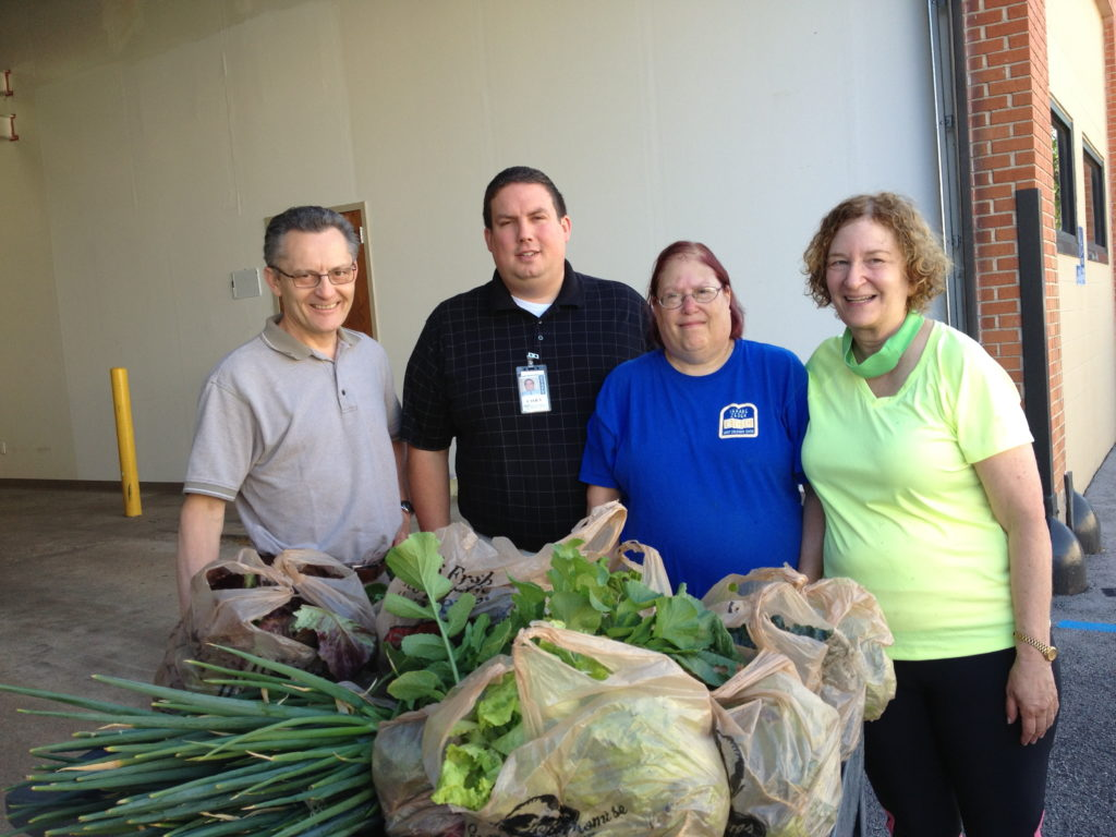 Garden to Food Pantry - donation day!